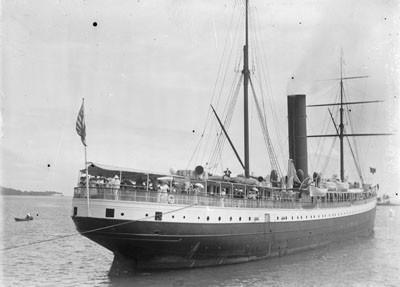 "Le vapeur ""Mariposa"" à Tahiti (1907)"