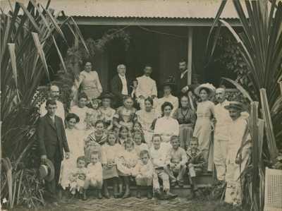 Membres de la Société des missions évangéliques de Paris à Paofai (1910)
