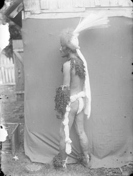 Costume de Nuku Hiva (1884)