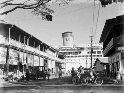 Rue de Papeete donnant sur le quai (1957)