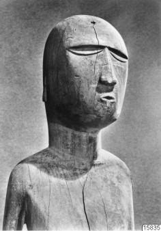 Détail d'une statuette des îles Gambier (1966)