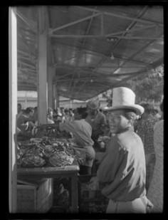 Au marché de Papeete (1952)