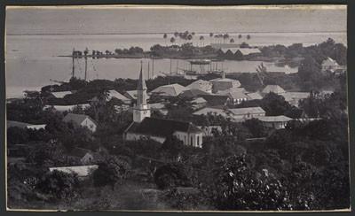 Vue de Papeete depuis les hauteurs (1910)