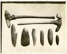 Outils et armes en pierre polie