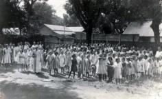 Elèves d'une école de filles de Papeete