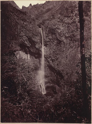 Chute d'eau de la Fautaua (1885)