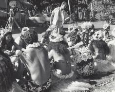 Leonard Clairmont sur le tournage de Tiare Tahiti (1957)