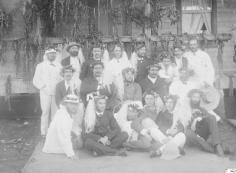 Membres de l'expédition Vanadis et notables tahitiens (1884)