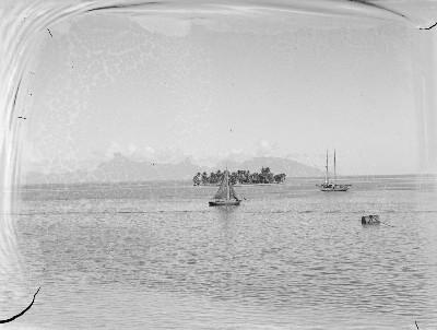 Navire amarré près de Motu Uta (1940)