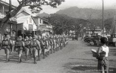 Papeete : retour de la troupe à la caserne (1936)