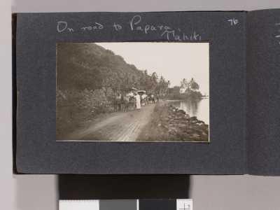 Sur la route de Papara (1905)