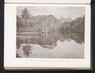 Montagne de Tahiti depuis la côte (1880)