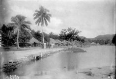 Village de Teavanui à Bora Bora – Photo N°A2720 – Harry Clifford Fassett (1899-1900)